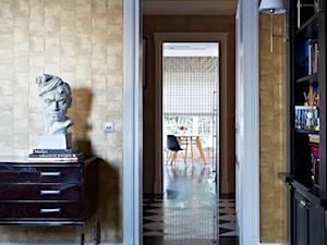 Dom w Wilanowie w nowej odsłonie - Średnie beżowe biuro domowe kącik do pracy w pokoju, styl nowojorski - zdjęcie od BBHome