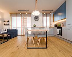 Mieszkanie dla podróżniczki autorstwa Tyma Projekt - zdjęcie od AQForm - Homebook