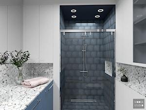 Śródmieście Port - Mała szara łazienka w bloku w domu jednorodzinnym bez okna, styl art deco - zdjęcie od MOOKA Studio