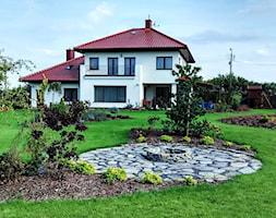 Ogród w stylu klasycznym - Duży ogród za domem - zdjęcie od Czas na zielen - Homebook