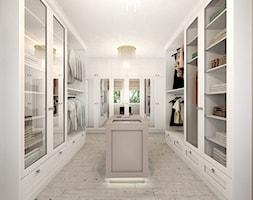 Duża garderoba z oknem oddzielne pomieszczenie, styl nowojorski - zdjęcie od kameleonczestochowa