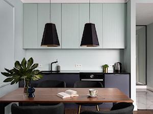Apartament w Sopocie - Średnia otwarta biała kuchnia jednorzędowa, styl włoski - zdjęcie od Mikołaj Dąbrowski