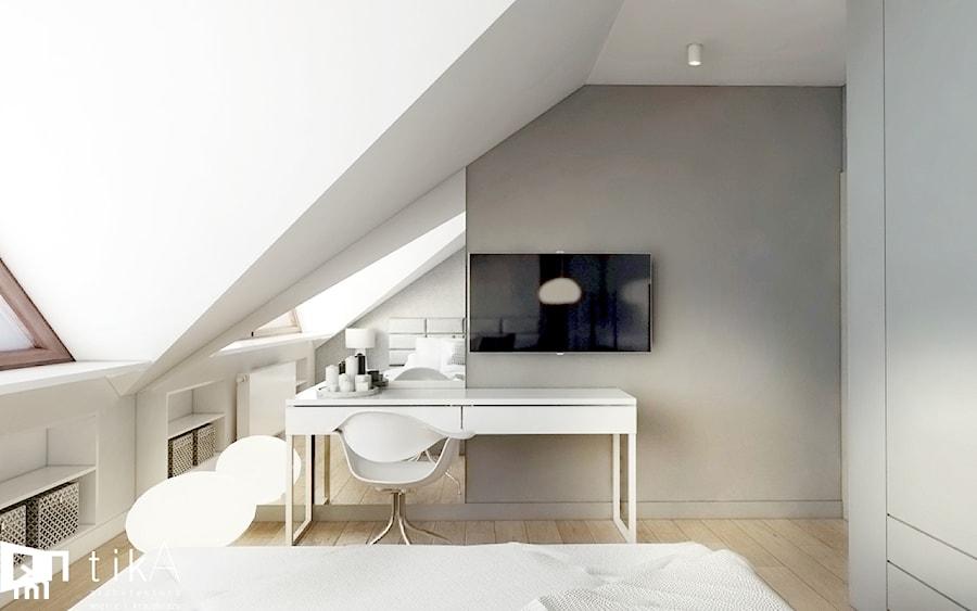 Projekt Czernichów - Średnia beżowa sypialnia małżeńska na poddaszu, styl nowoczesny - zdjęcie od TIKA DESIGN