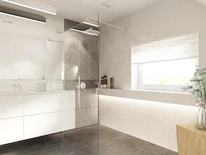 Dom w Suchej Beskidzkiej. - Duża biała beżowa łazienka na poddaszu w domu jednorodzinnym z oknem, styl minimalistyczny - zdjęcie od TIKA DESIGN