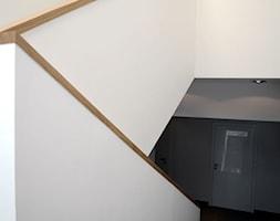 PRZEBUDOWA WNĘTRZ BIUROWCA - Schody - zdjęcie od PRACOWNIA ARCHITEKTURY OPALIŃSKI