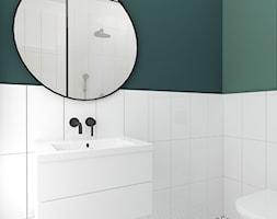 Butelkowa zieleń na Mokotowie - Mała zielona łazienka w bloku w domu jednorodzinnym bez okna, styl nowoczesny - zdjęcie od Form of Design Studio