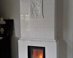 evkominki - kaflowe - Mały biały salon - zdjęcie od evkominki