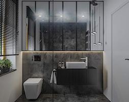 Bliźniak w Węgrzcach koło Krakowa - Średnia biała czarna łazienka w bloku w domu jednorodzinnym z ok ... - zdjęcie od e interiors - Homebook