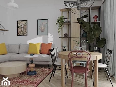 Aranżacje wnętrz - Salon: Mieszkanie w starej kamienicy - Salon, styl vintage - Outline of Design. Przeglądaj, dodawaj i zapisuj najlepsze zdjęcia, pomysły i inspiracje designerskie. W bazie mamy już prawie milion fotografii!