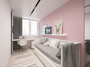 KRAKÓW, BOHATERÓW WRZEŚNIA - MIESZKANIE - Średni różowy pokój dziecka dla dziewczynki dla ucznia dla nastolatka, styl minimalistyczny - zdjęcie od MIRAI STUDIO