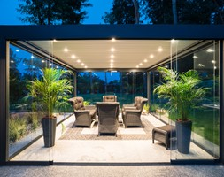 Tarasola Technic - Duży taras z tyłu domu, styl nowoczesny - zdjęcie od Tarasola
