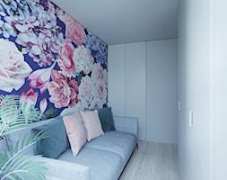 Industrialny szyk ♣️♠️🖤🌸🌿🍀 - Mała biała fioletowa sypialnia dla gości, styl skandynawski - zdjęcie od StudioDobryPomysł