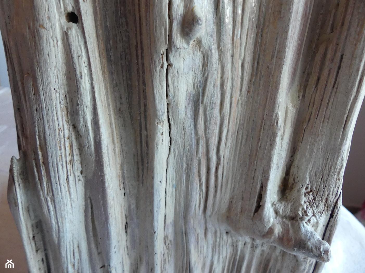 Lampa stare drewno bielone - zdjęcie od NYC DESIGN - Homebook