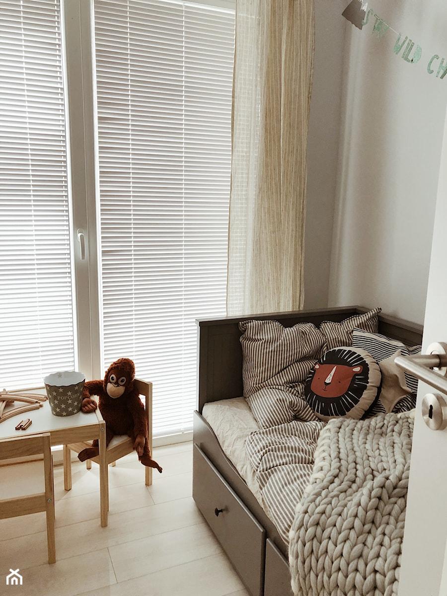 Żaluzje drewniane w pokoju dziecka - Nasze Domowe Pielesze - zdjęcie od Nasze Domowe Pielesze
