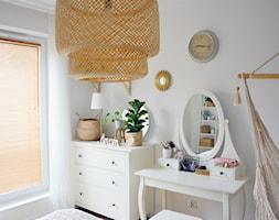 Żaluzja bambusowa w sypialni - Nasze Domowe Pielesze - zdjęcie od Nasze Domowe Pielesze