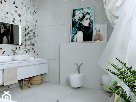 Aranżacje wnętrz - Łazienka: Łazienka z dala od miejskiego tłoku - Urszula Karasiewicz. Przeglądaj, dodawaj i zapisuj najlepsze zdjęcia, pomysły i inspiracje designerskie. W bazie mamy już prawie milion fotografii!