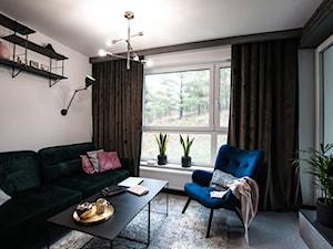 Apartament Młoda Morena w Gdańsku - Średni szary biały salon, styl nowoczesny - zdjęcie od Pracownia Bueno