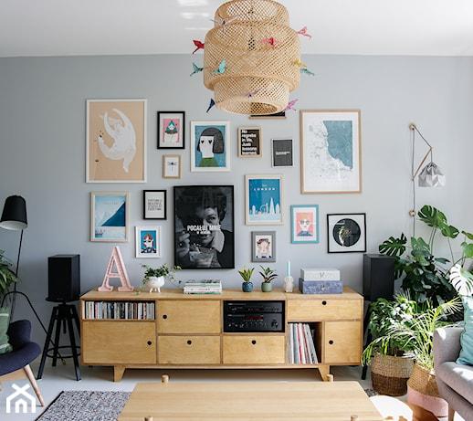 Dodatki do salonu – jakie dekoracje do salonu są modne w tym sezonie?