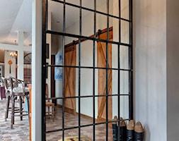 LUSTRA I PARAWANY W SOPHIE COUNTRY HOUSE - Hol / przedpokój, styl rustykalny - zdjęcie od Sophie Homestyle - Homebook