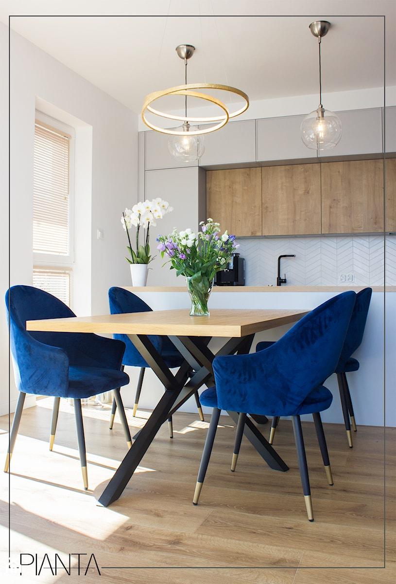 Mieszkanie Dla Dwojga Z Niebieskim Akcentem Kuchnia Styl