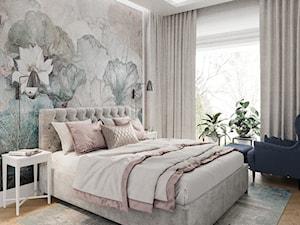 Mokotów z romantyczna nutą - Średnia beżowa biała sypialnia małżeńska, styl eklektyczny - zdjęcie od M!kaDesign