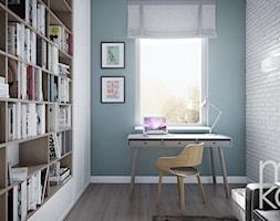 Z nutą klasyki - Małe niebieskie białe biuro pracownia w pokoju, styl nowoczesny - zdjęcie od M!kaDesign