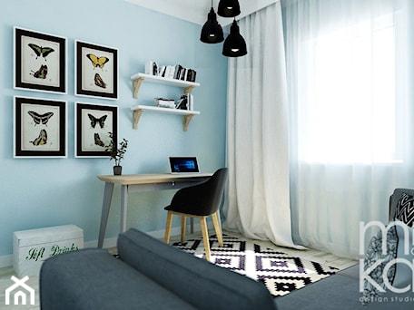 Aranżacje wnętrz - Pokój dziecka: Między czernią a bielą - Średni niebieski pokój dziecka dla chłopca dla dziewczynki dla ucznia dla nastolatka, styl eklektyczny - M!kaDesign. Przeglądaj, dodawaj i zapisuj najlepsze zdjęcia, pomysły i inspiracje designerskie. W bazie mamy już prawie milion fotografii!