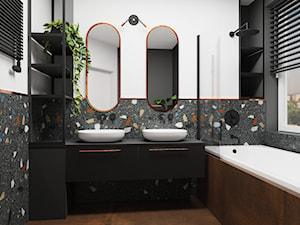 37. - Średnia biała czarna szara kolorowa łazienka z oknem, styl industrialny - zdjęcie od na miare mieszkania