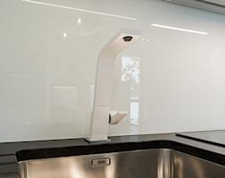 60-metrowe mieszkanie z akcentami loftu - Kuchnia, styl minimalistyczny - zdjęcie od Monika Hardej Architekt - Homebook