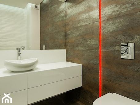 Aranżacje wnętrz - Łazienka: Mieszkanie w minimalistycznym wydaniu - Łazienka, styl minimalistyczny - Monika Hardej Architekt. Przeglądaj, dodawaj i zapisuj najlepsze zdjęcia, pomysły i inspiracje designerskie. W bazie mamy już prawie milion fotografii!