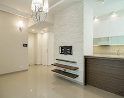 Niewielkie mieszkanie z elementami Glamour - Salon, styl glamour - zdjęcie od Monika Hardej Architekt - Homebook