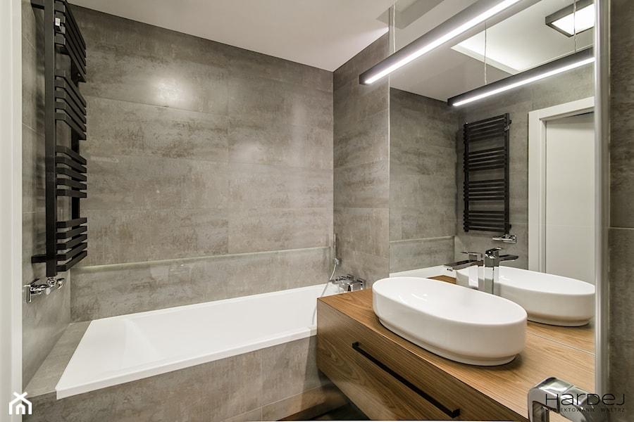60-metrowe mieszkanie z akcentami loftu - Łazienka, styl nowoczesny - zdjęcie od Monika Hardej Architekt