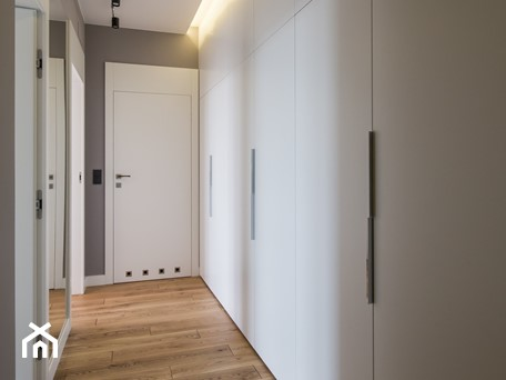 Aranżacje wnętrz - Hol / Przedpokój: Minimalistyczne mieszkanie dla dwojga - Hol / przedpokój, styl minimalistyczny - Monika Hardej Architekt. Przeglądaj, dodawaj i zapisuj najlepsze zdjęcia, pomysły i inspiracje designerskie. W bazie mamy już prawie milion fotografii!