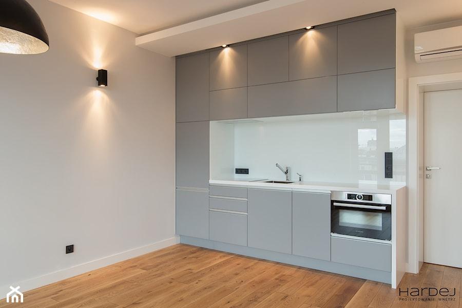 Minimalistyczne mieszkanie dla dwojga - Kuchnia, styl minimalistyczny - zdjęcie od Monika Hardej Architekt