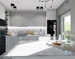 Kuchnia z marmurowym blatem - Średnia zamknięta szara kuchnia w kształcie litery l z wyspą z oknem, ... - zdjęcie od Warsztat Zewnetrza Olga Pawlowska - Homebook