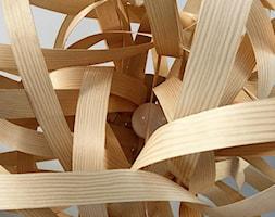 Lampa+wisz%C4%85ca+drewniana+-+zdj%C4%99cie+od+Bieszczadzka+Manufaktura+%C5%9Awiat%C5%82a