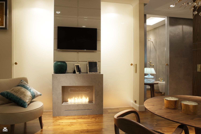 ZŁOTE - Mały beżowy salon, styl art deco - zdjęcie od SAFRANOW - Homebook