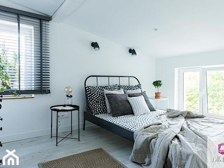 Aranżacje wnętrz - Sypialnia: Projekt wnętrza sypialni w klimacie glamour loft - Lilla Home. Przeglądaj, dodawaj i zapisuj najlepsze zdjęcia, pomysły i inspiracje designerskie. W bazie mamy już prawie milion fotografii!