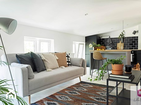 Aranżacje wnętrz - Salon: Projekt wnętrza salonu w stylu glamour loft - Lilla Home. Przeglądaj, dodawaj i zapisuj najlepsze zdjęcia, pomysły i inspiracje designerskie. W bazie mamy już prawie milion fotografii!