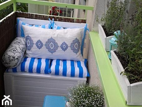 Aranżacje wnętrz - Taras: Romantyczny balkon Lili - Mały taras, styl prowansalski - Anna Pszczułkowska. Przeglądaj, dodawaj i zapisuj najlepsze zdjęcia, pomysły i inspiracje designerskie. W bazie mamy już prawie milion fotografii!