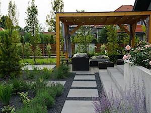 Metamorfoza ogrodu w Wilczycach - Ogród, styl nowoczesny - zdjęcie od TRAWARICA