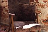 wymiana tapicerki w fotelu vintage