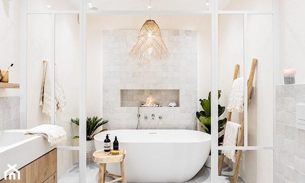 wiklina w łazience