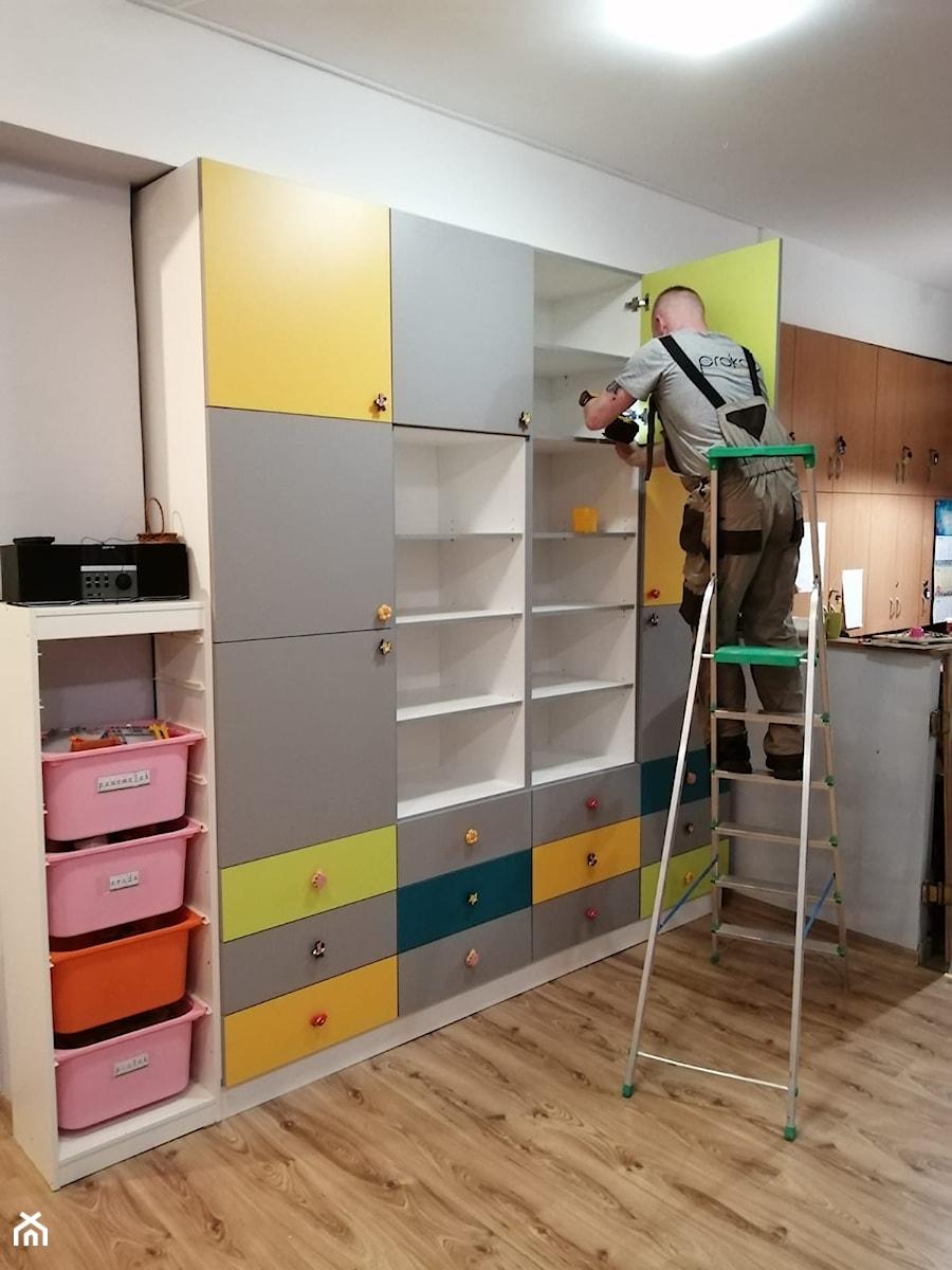 Montaż szafy - zdjęcie od prokop_house