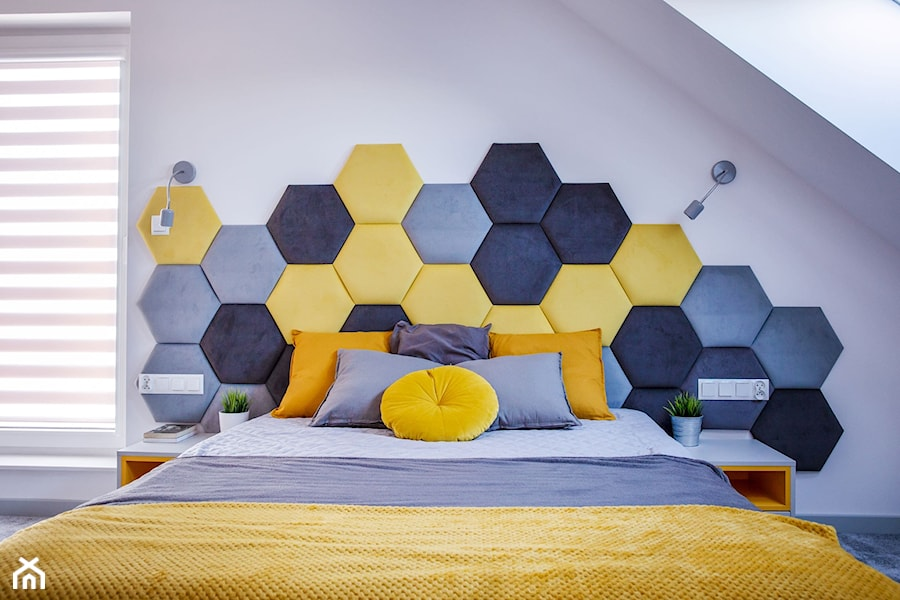Szaro żółta sypialnia z heksagonami - zdjęcie od dekoton