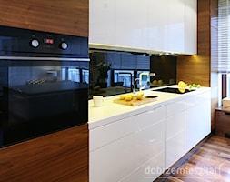 ORZECH+PO+AMERYKA%C5%83SKU+-+zdj%C4%99cie+od+Ludwinowska+Studio+Architektury