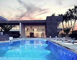 Zr16 - Duży taras z tyłu domu z basenem - zdjęcie od Z500