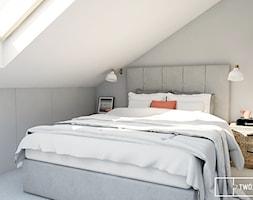 Mieszkanie w Warszawie 100m2 - Mała biała szara sypialnia małżeńska na poddaszu, styl nowoczesny - zdjęcie od Twój Kwadrat