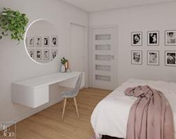 Toaletka z okrągłym lustrem - zdjęcie od PureAndGlam - Homebook