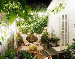 small garden - Mały taras z przodu domu z tyłu domu - zdjęcie od Marzena